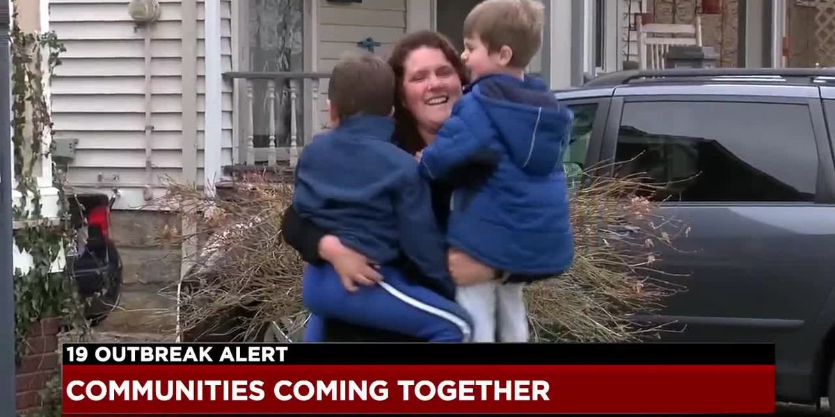 Parma and Lakewood residents spreading good cheer in tough times