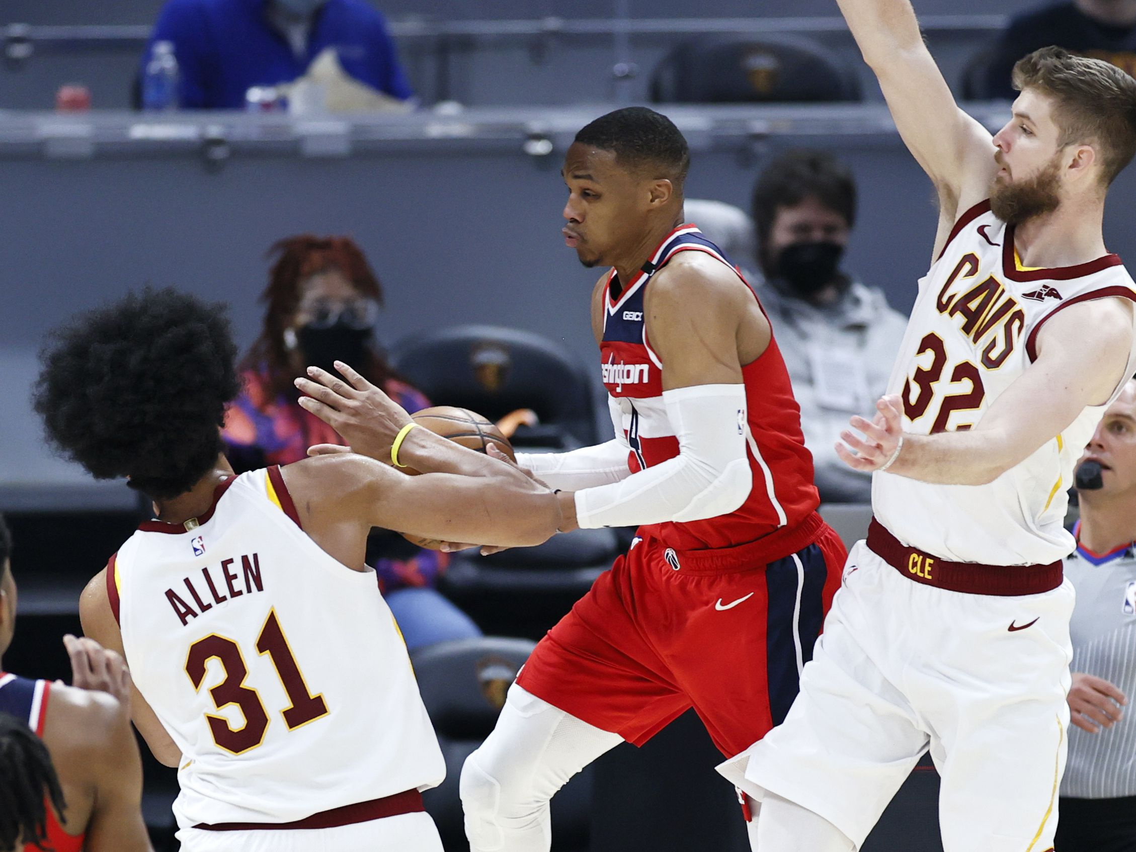 Westbrook posts 31st triple-double, Wizards rout Cavs 122-93