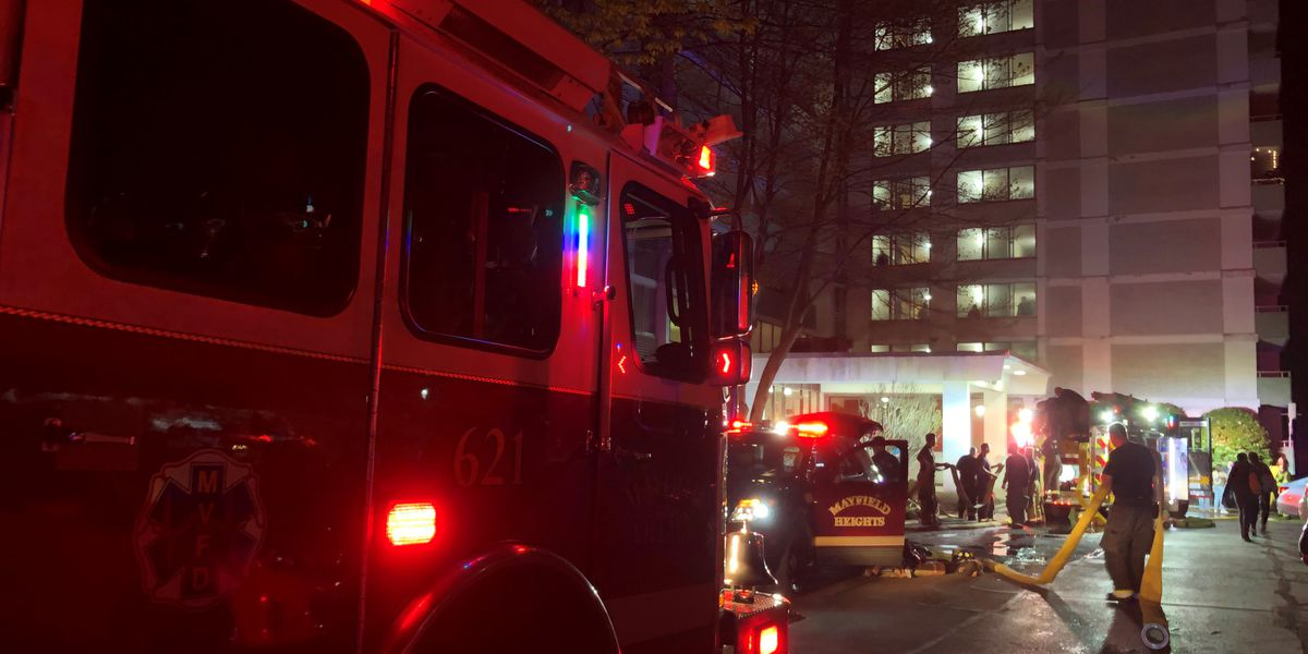 Fire breaks out in Mayfield Heights apartment complex