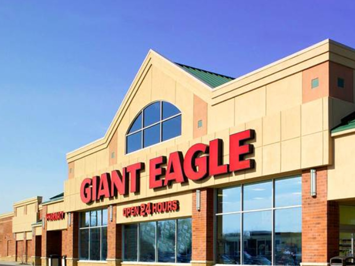 Giant Eagle in Garfield Heights reopening to public after only offering curbside pick-up since April