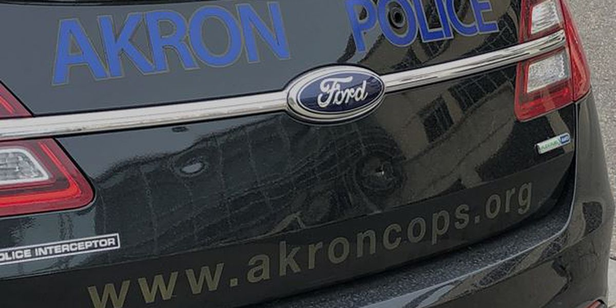 Man shot in head while sitting on park bench in Akron
