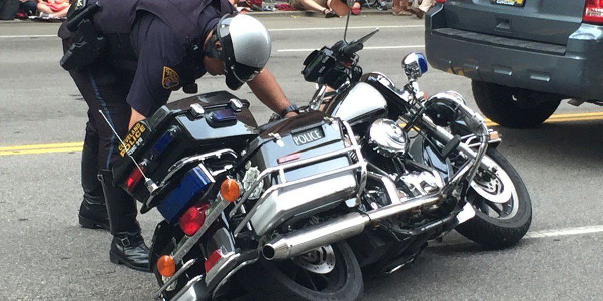Motorcycle cop hit in middle of Cavs parade route