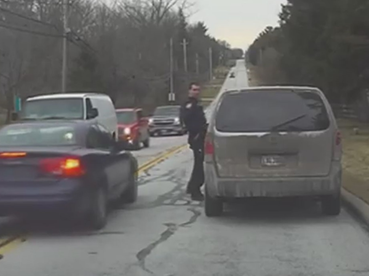 Pepper Pike officer delivers traffic warning after nearly getting struck during traffic stop