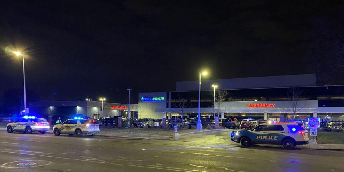 Toledo Police officer shot in standoff dies