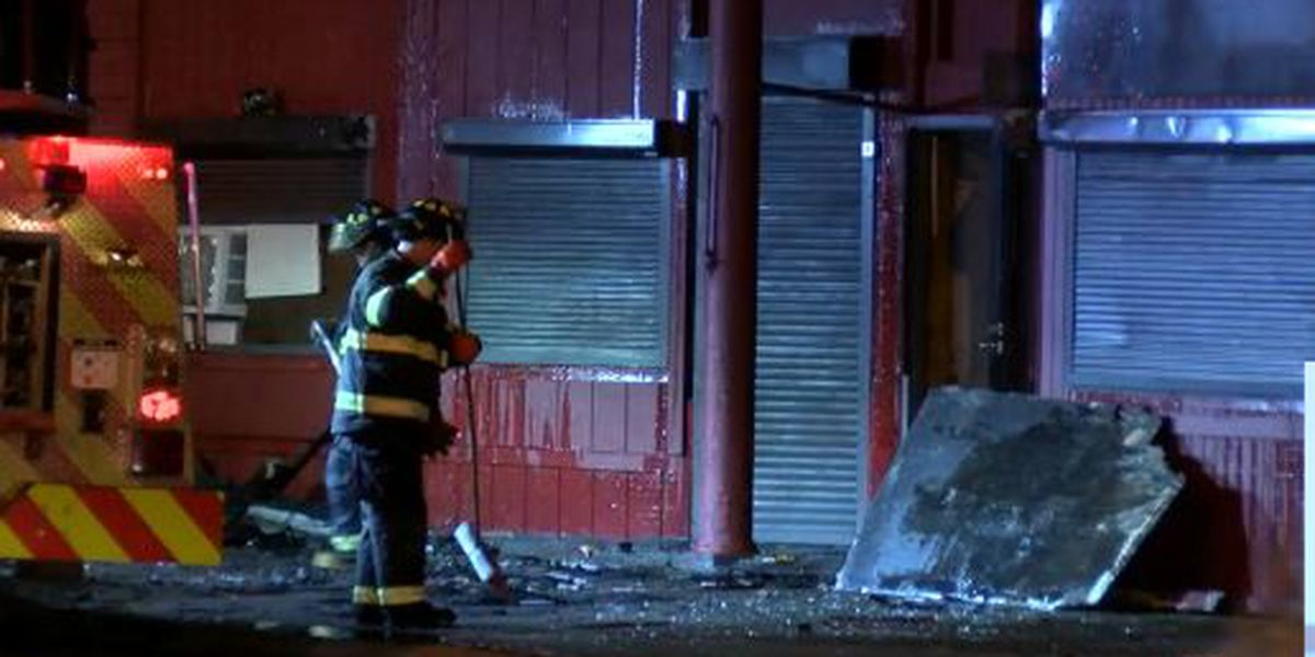 Firefighters battle early morning blaze in Cleveland