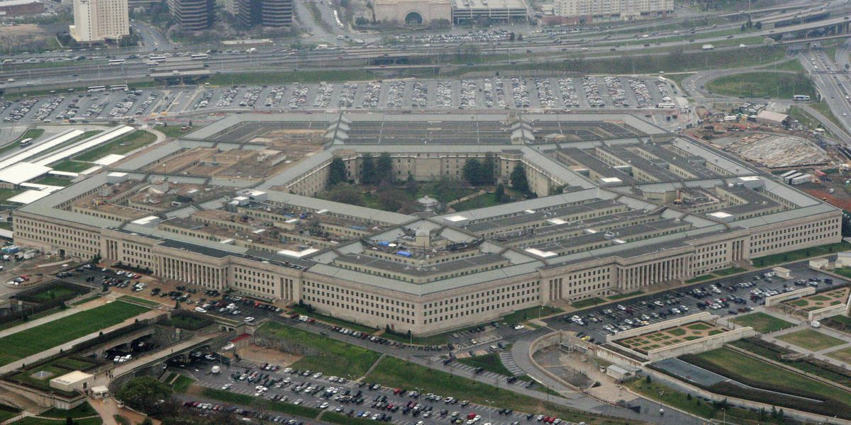 Pentagon installs 2 Trump allies on defense advisory board