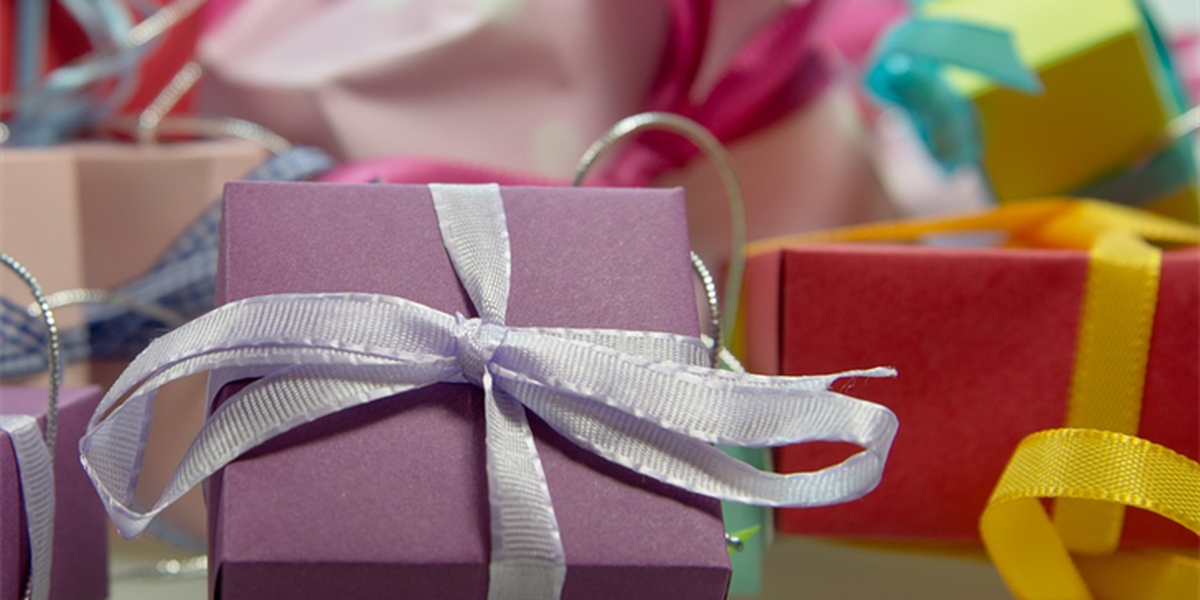 Survey shows more than 40% of people want a gift card as a present for the holidays