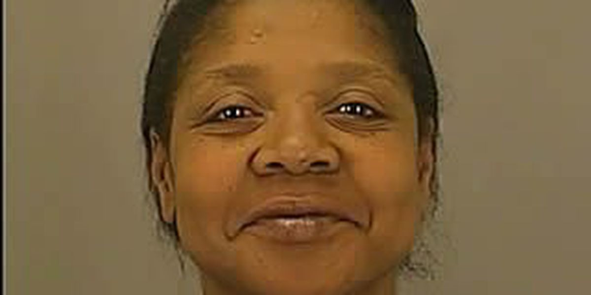 Woman busted for drinking on bus, fighting with cops