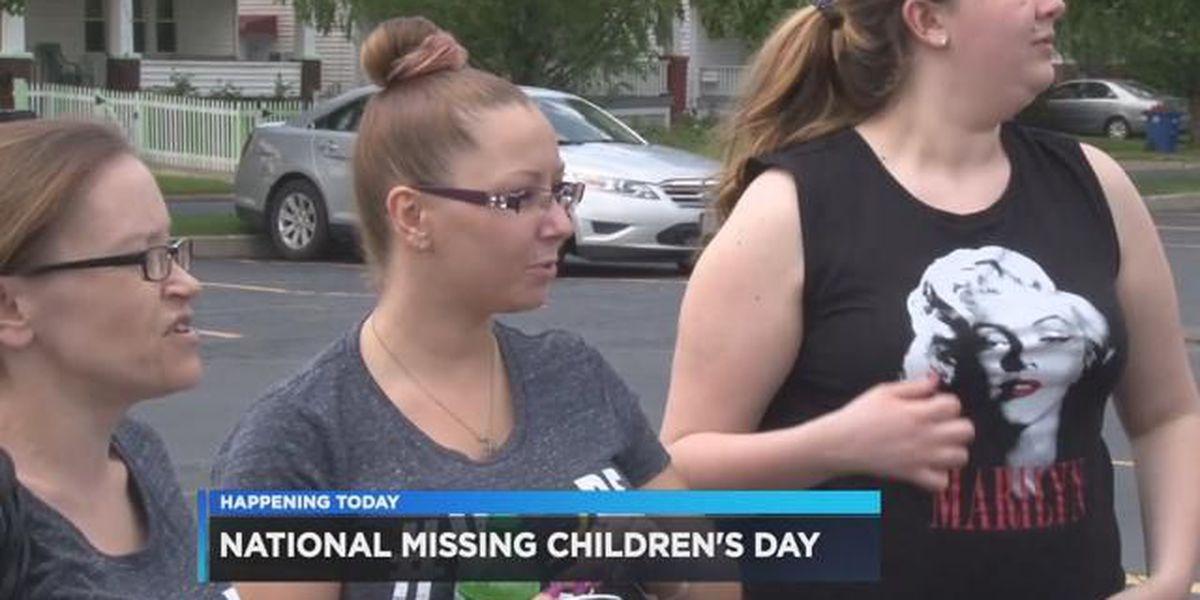 Amanda Berry, Gina DeJesus 'rock one sock' for National Missing Children's Day