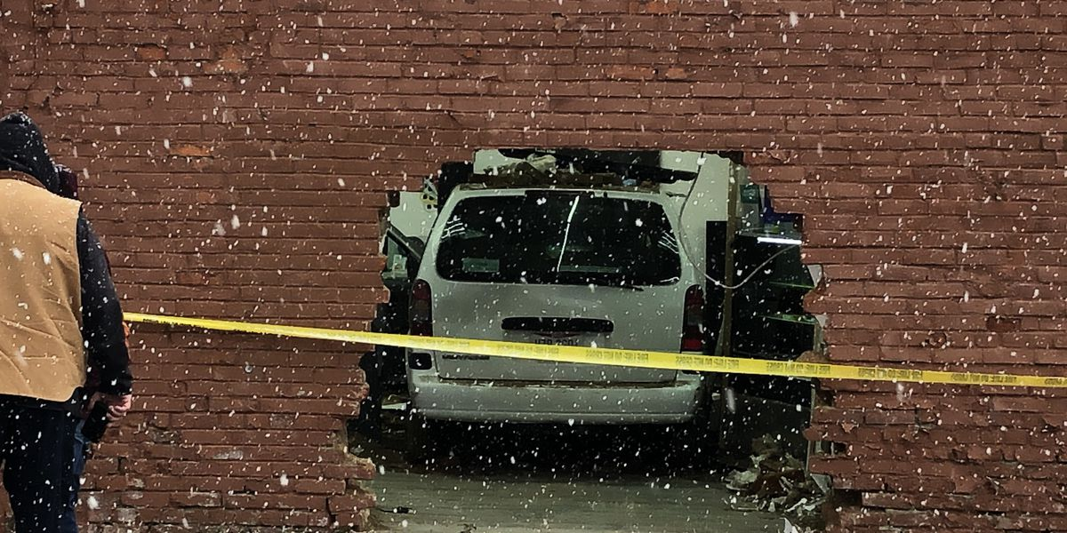 Car crashes into Cleveland Boost Mobile store (photos)