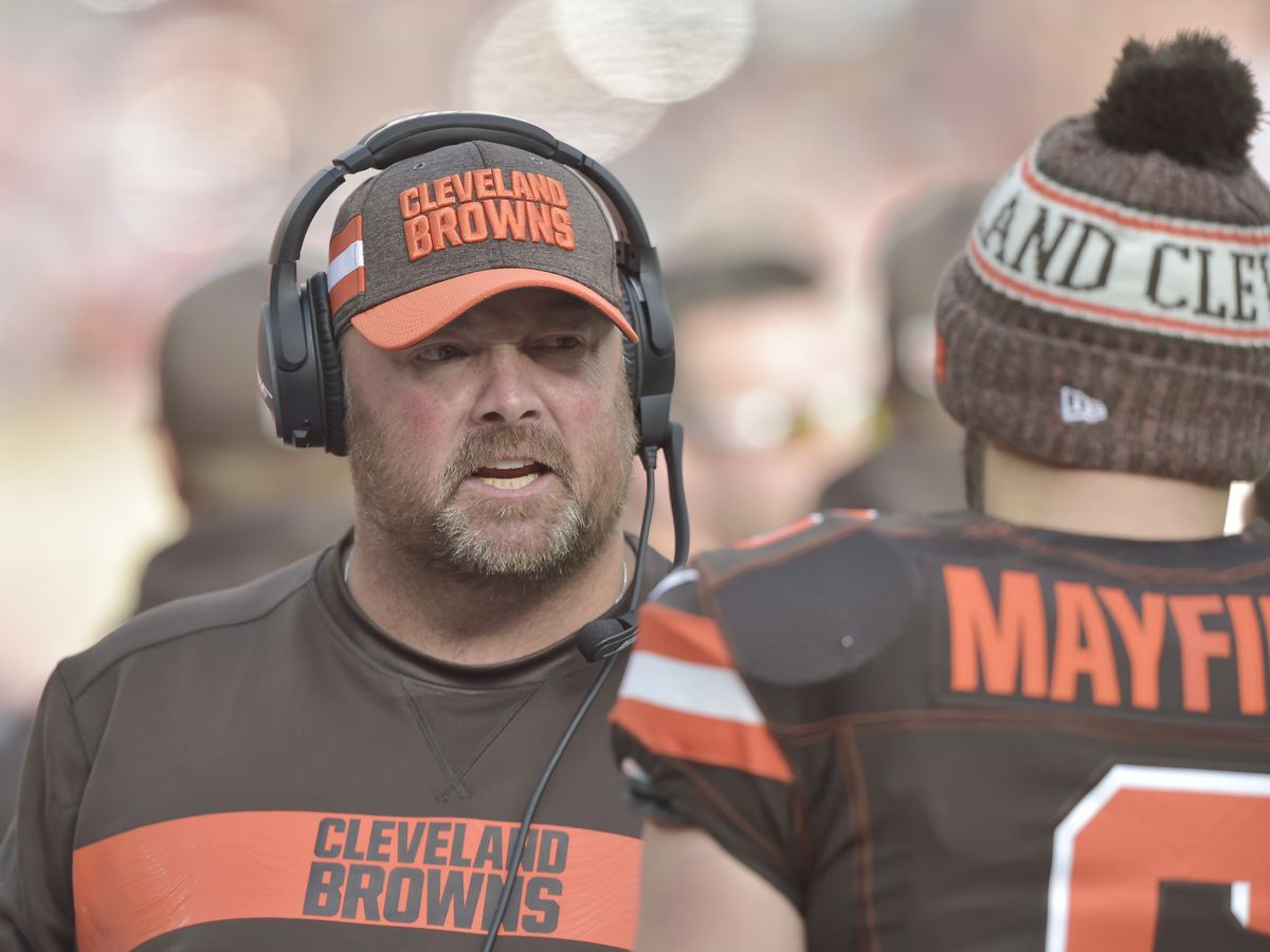 Cleveland Browns Head Coach Freddie Kitchens talks with Tony Zarrella on eve of 2019 schedule announcement
