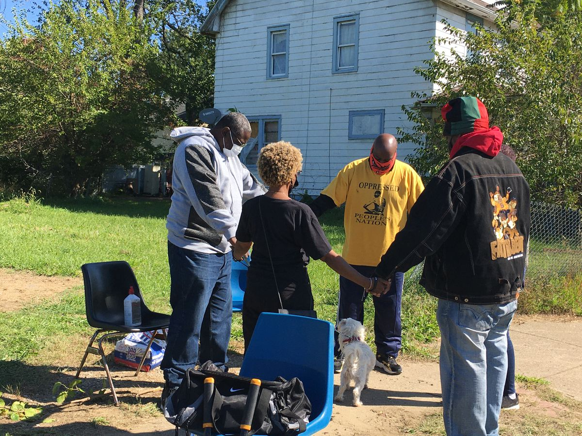 "East Cleveland's ""Block Watch"" camp out ends peacefully with prayer"