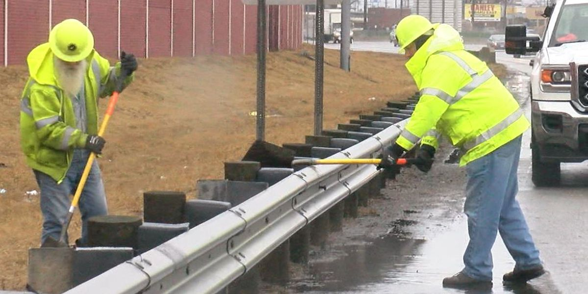 ODOT crews working to clear storm drains ahead of heavy rains
