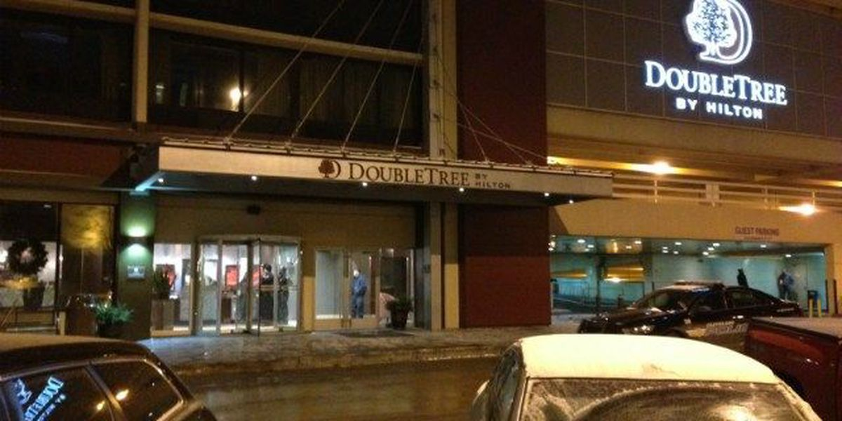 Man barricades himself in room at downtown DoubleTree