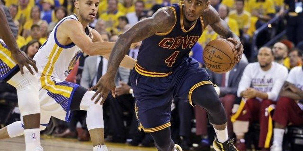 Iman Shumpert officially signs with Cavaliers