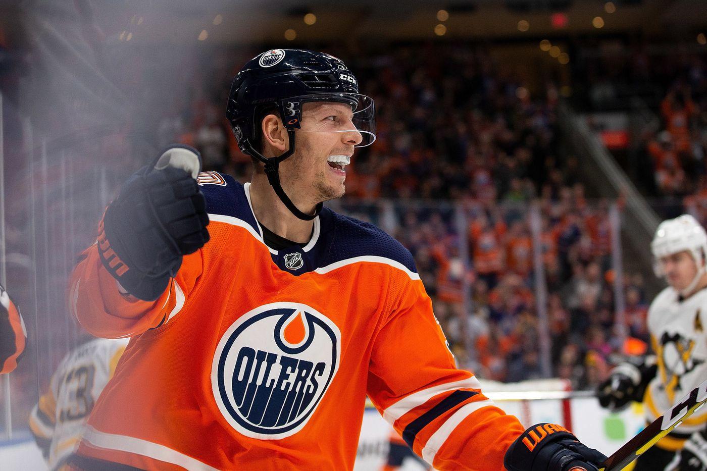 Edmonton Oilers  Alex Chiasson (39) celebrates his second goal of the night  against 8f2518e8a