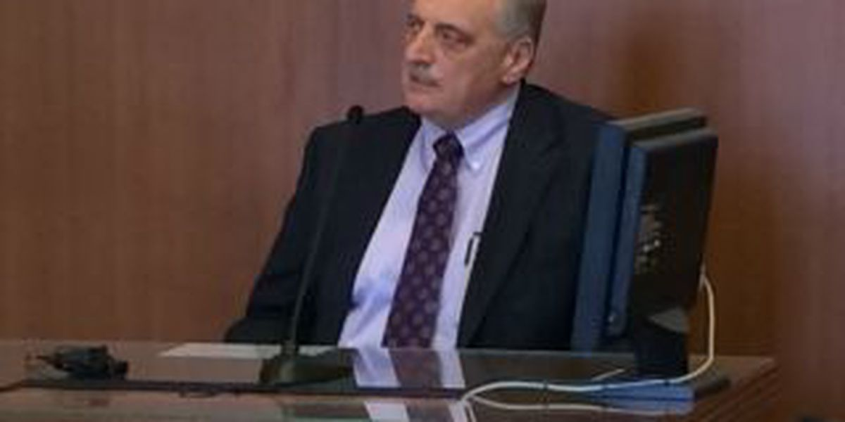 Doctor accused of sexually assaulting patients takes the stand