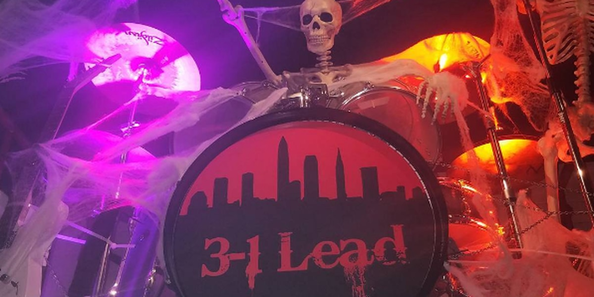 Cavs mock Warriors with Halloween party decoration