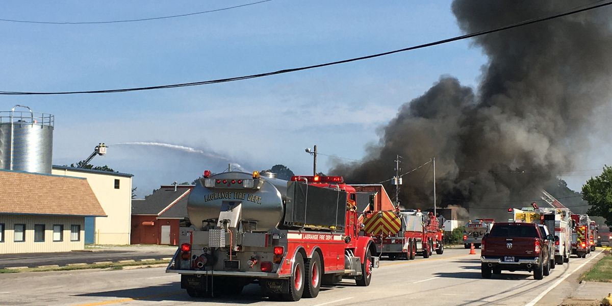 Abandoned Lorain County bowling alley has 2nd fire with heavy flames after first catching fire Saturday
