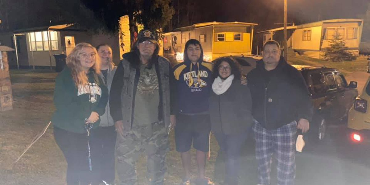 Kirtland college student stepping up to help disabled Vietnam veteran on the brink of homelessness