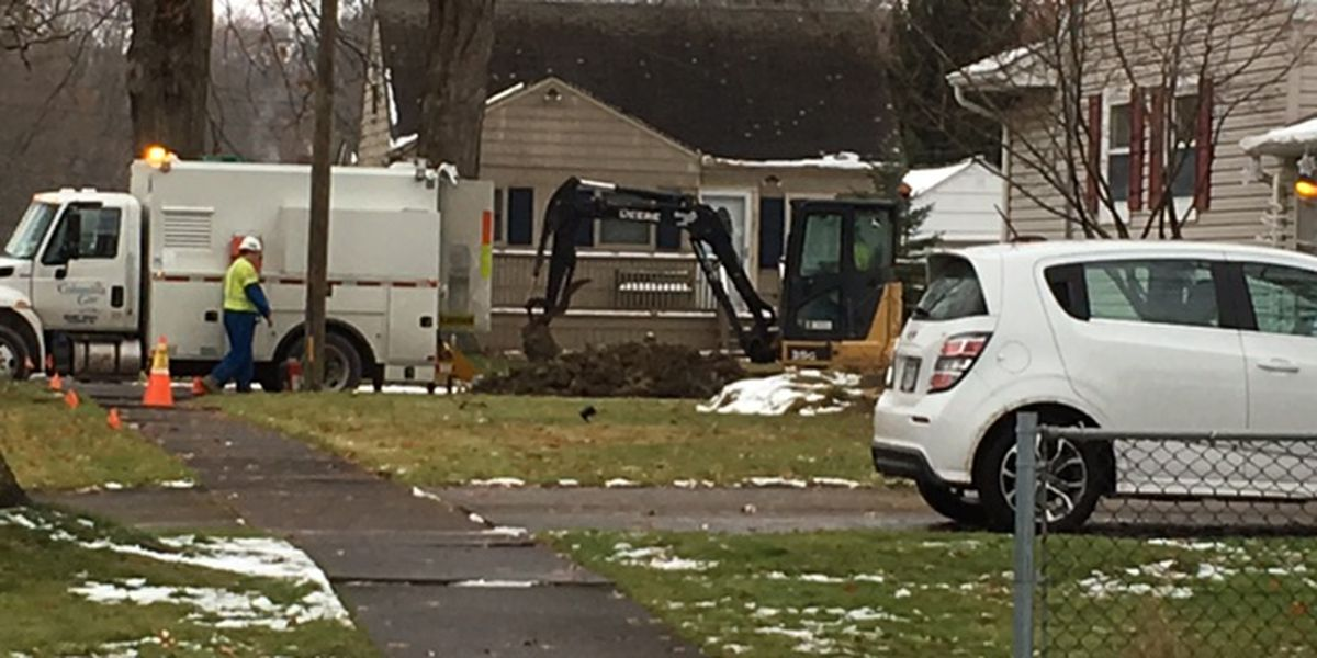 Elyria neighborhoods grapple with major gas outage; Columbia Gas crews working around the clock