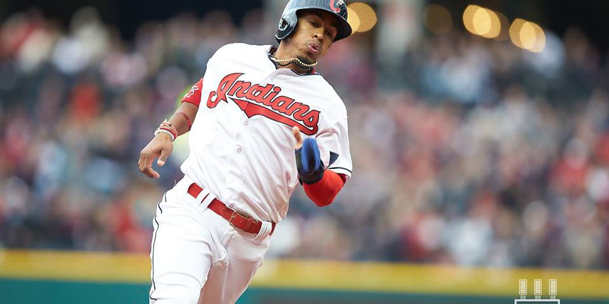 White Sox score 5 in first, roll past Indians 10-4