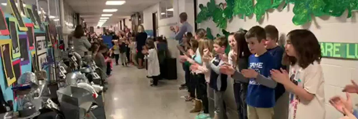 Students salute Chagrin Falls police officer
