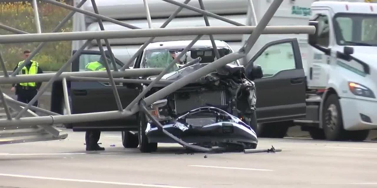 Driver killed after overhead highway sign topples onto truck, closes stretch of I-480