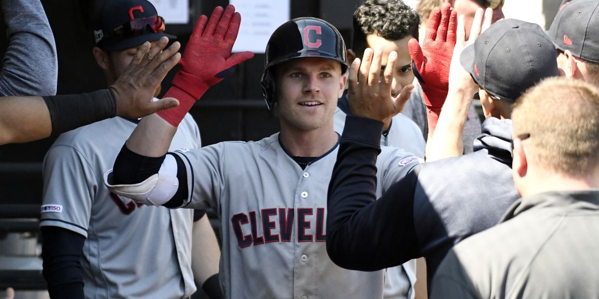 Luplow hits 2 of Indians' 5 HRs in 9-0 romp over White Sox