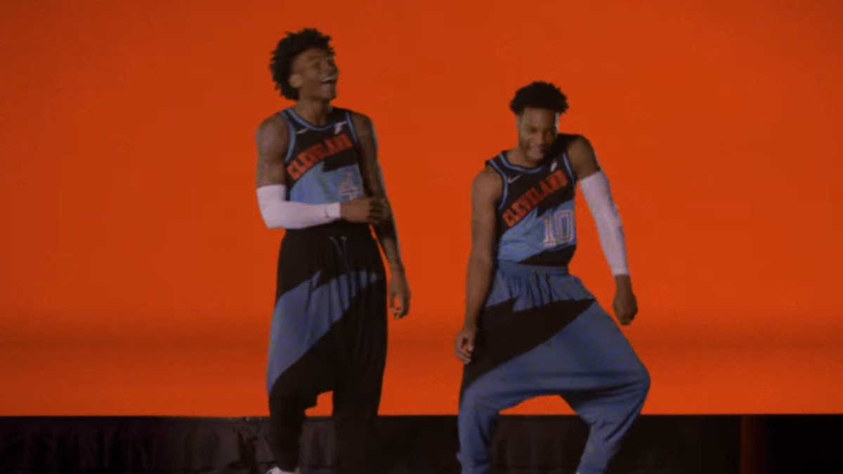 Hammer time: Cleveland Cavaliers remake MC Hammer's 'U Can't Touch This' (video)