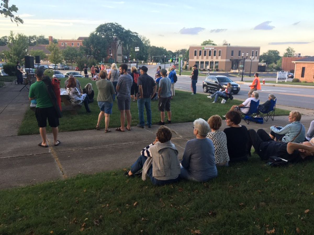 Northeast Ohio rally and vigil for mass shooting victims calls for reform