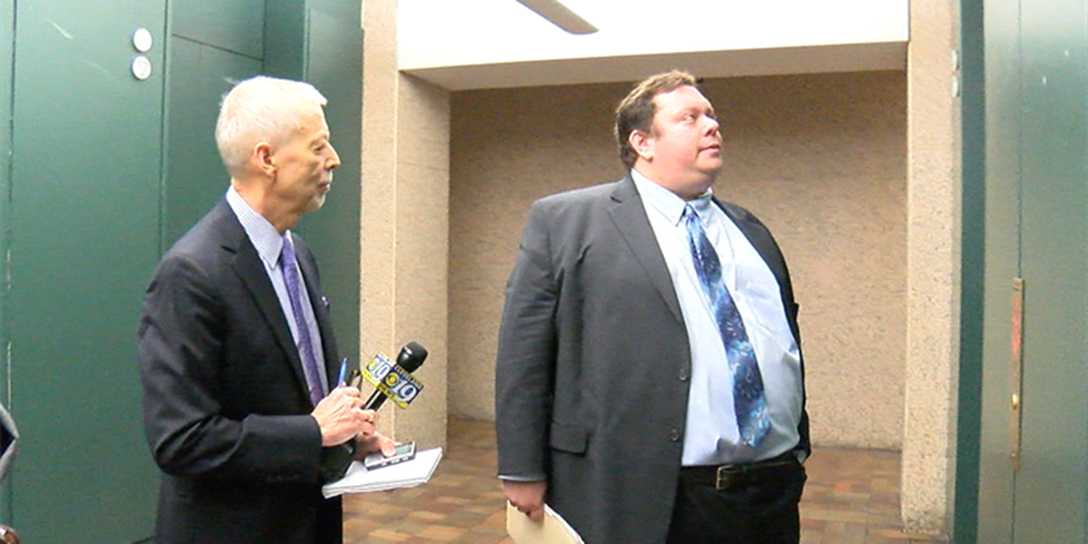 Illegal parking lot operator tries to ban Carl Monday and cameras from courtroom