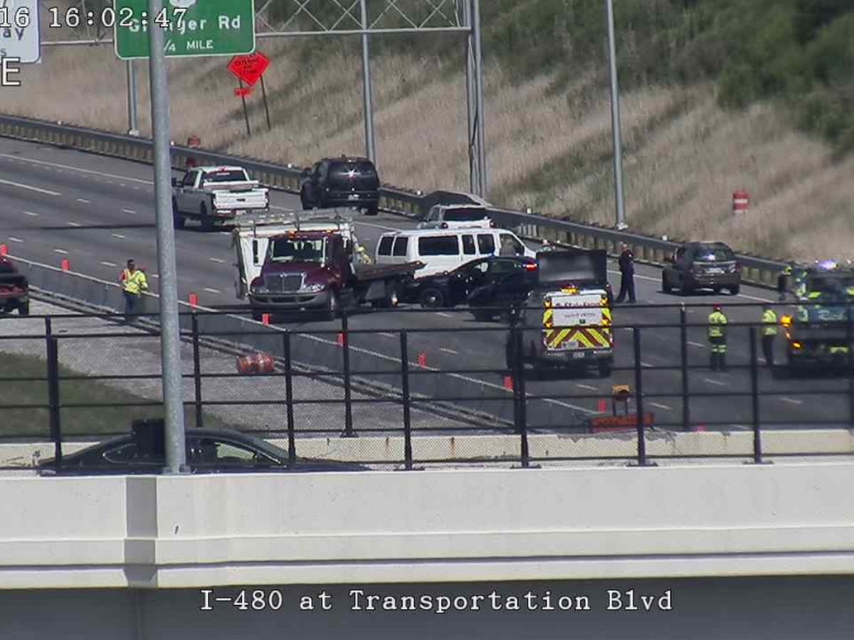 I-480 eastbound lanes reopened following 2-car crash