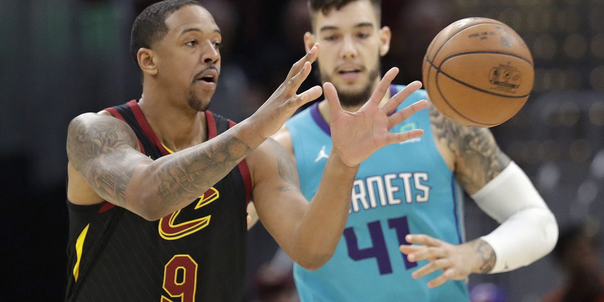 Walker, Hornets keep playoff push going, beat Cavs 124-97
