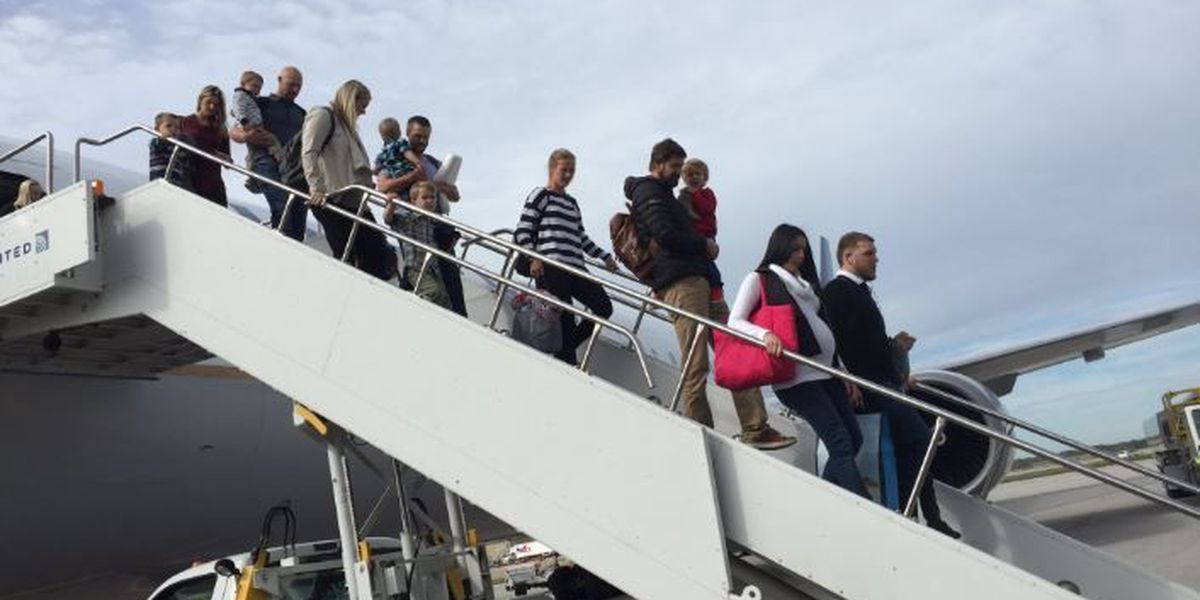 A lot of babies take Indians plane to Chicago