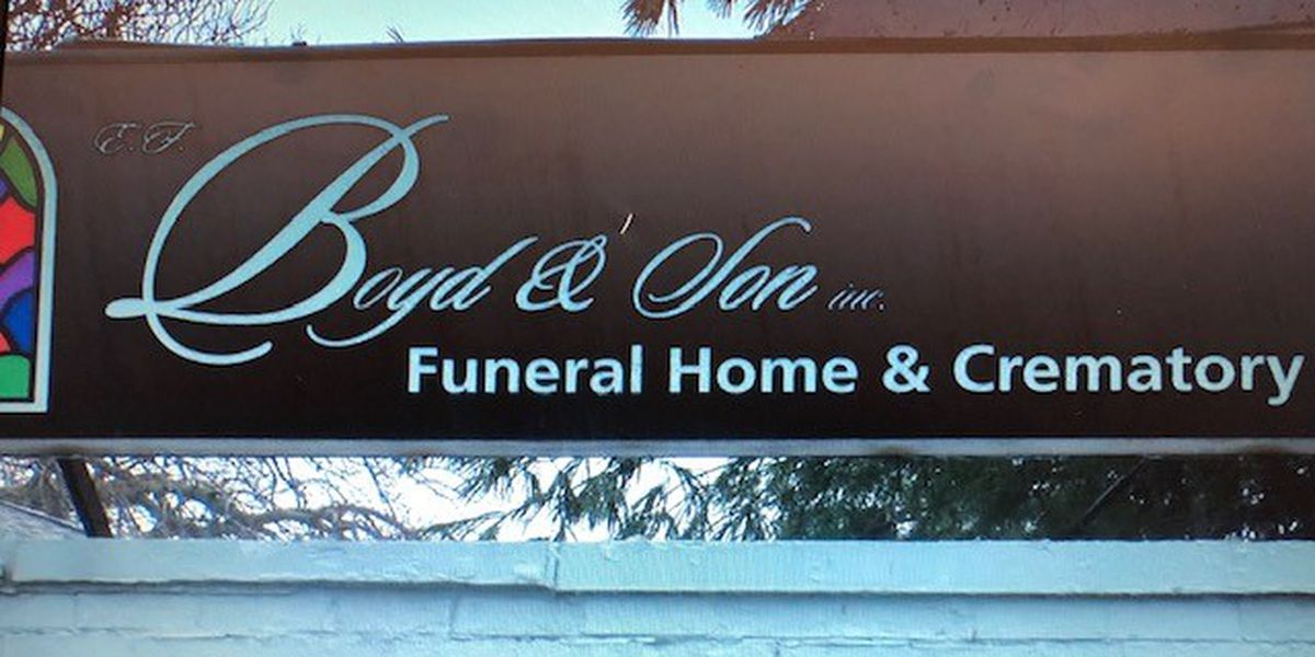Families of those who died of COVID-19 can now get help with funeral costs