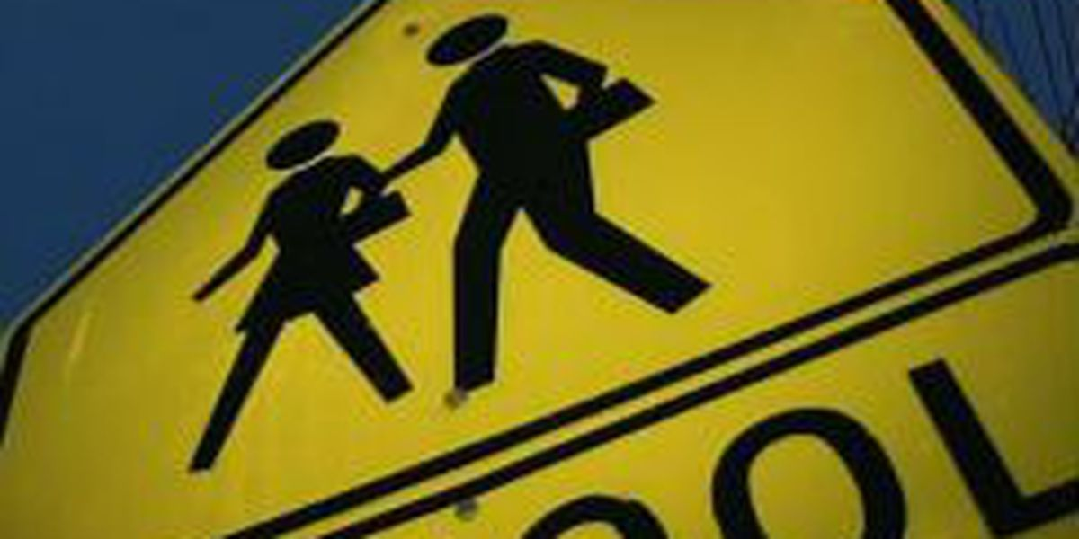 Alert: Men claiming to be cops try to lure child from bus stop