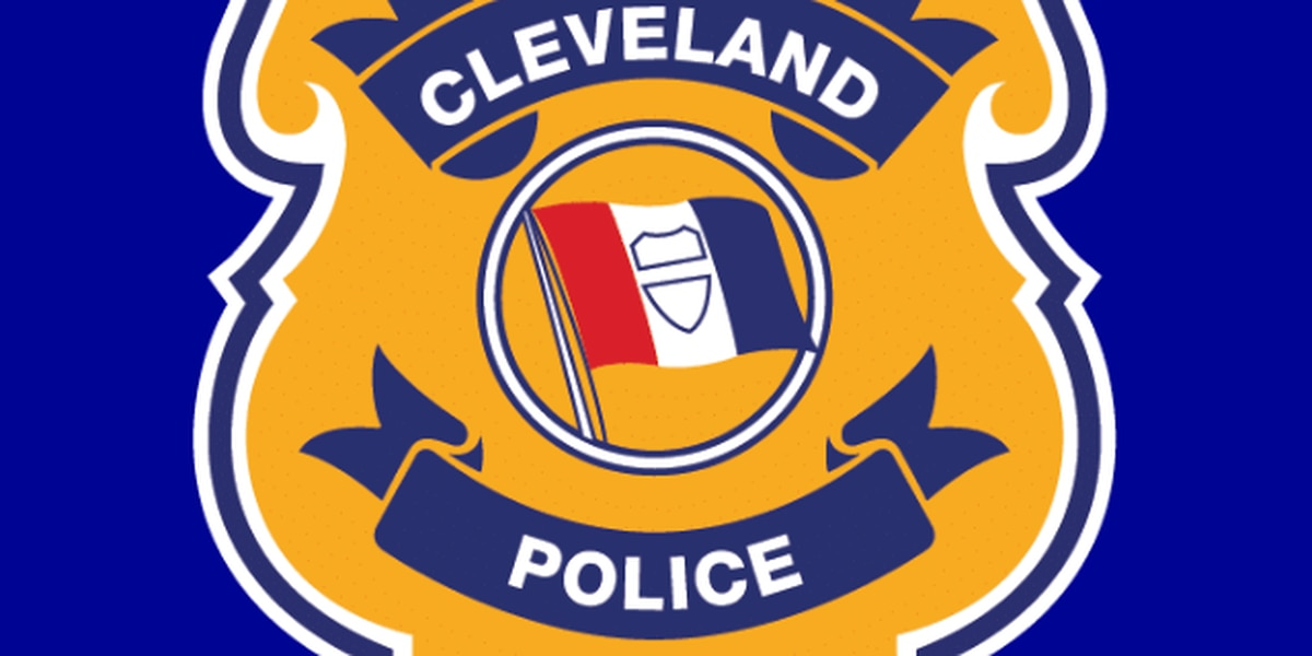 Cleveland gas station clerk shoots man who opens fire on him