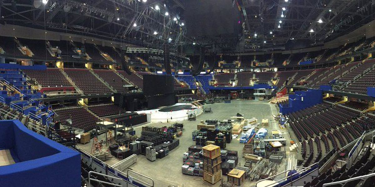 TIME LAPSE: Crews turn garage into media row for RNC