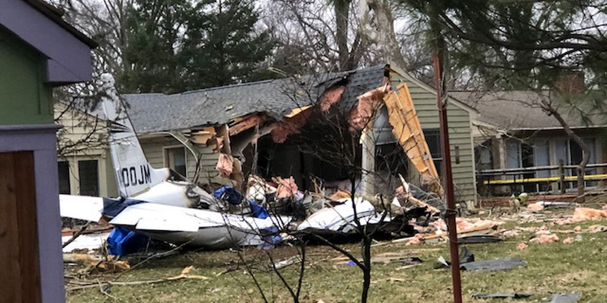 NTSB investigators say fire was too intense to rescue pilot from deadly Ohio plane crash