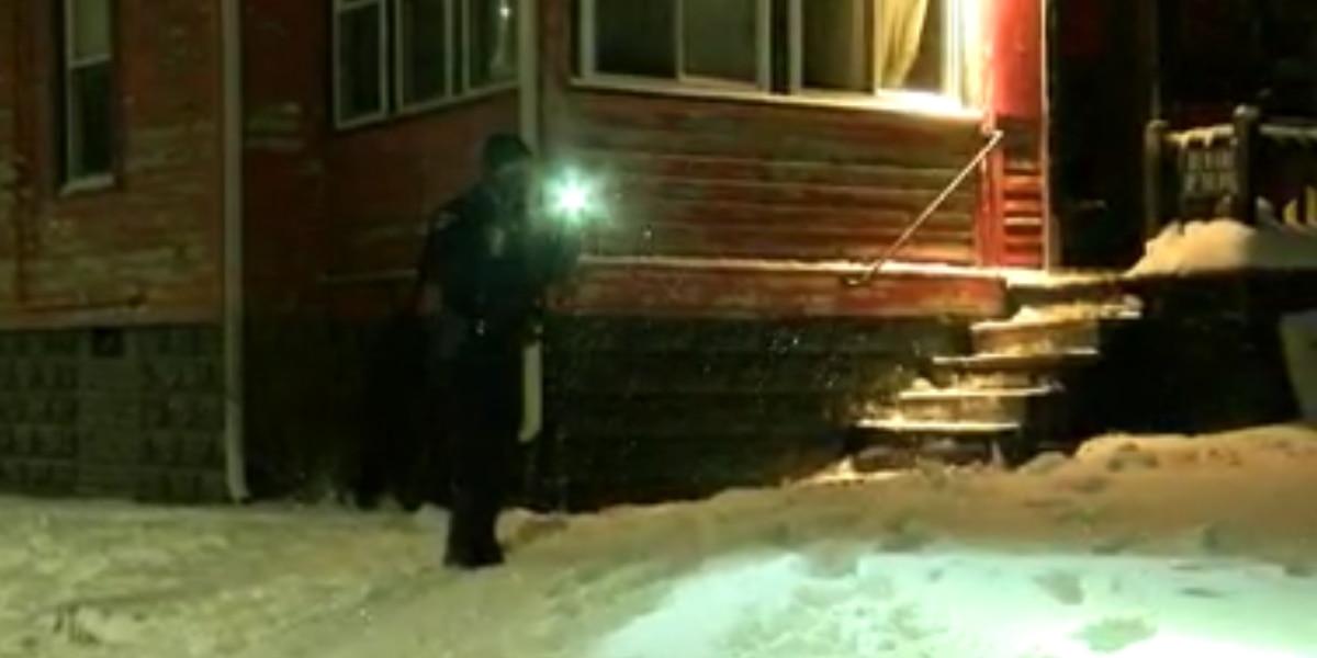 2 hospitalized after home invasion, shooting on Lardet Avenue