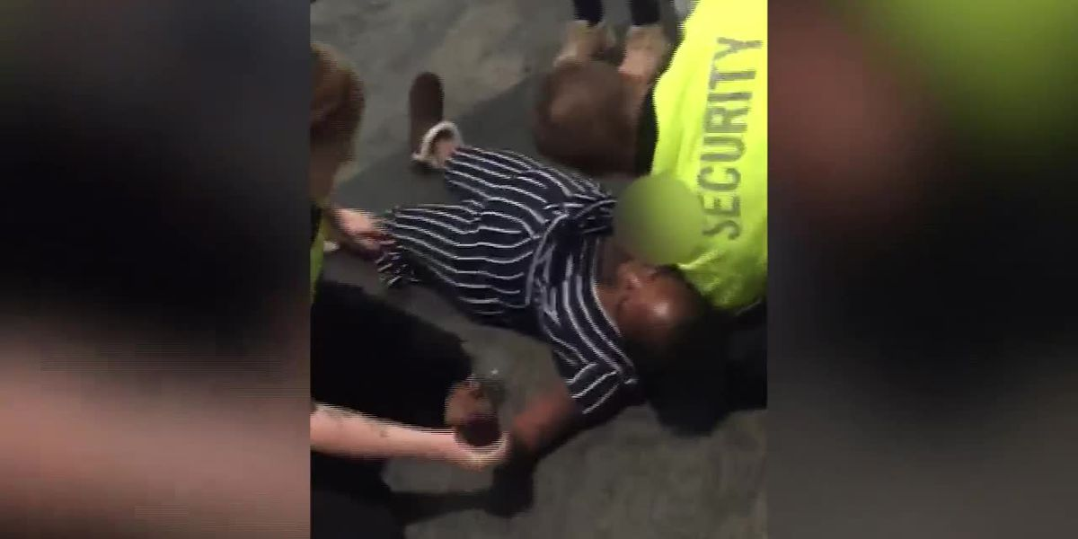 Pregnant mom tackled by mall security