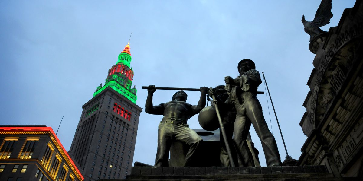 Cleveland skyline will shine green and white for Lake Erie College tonight