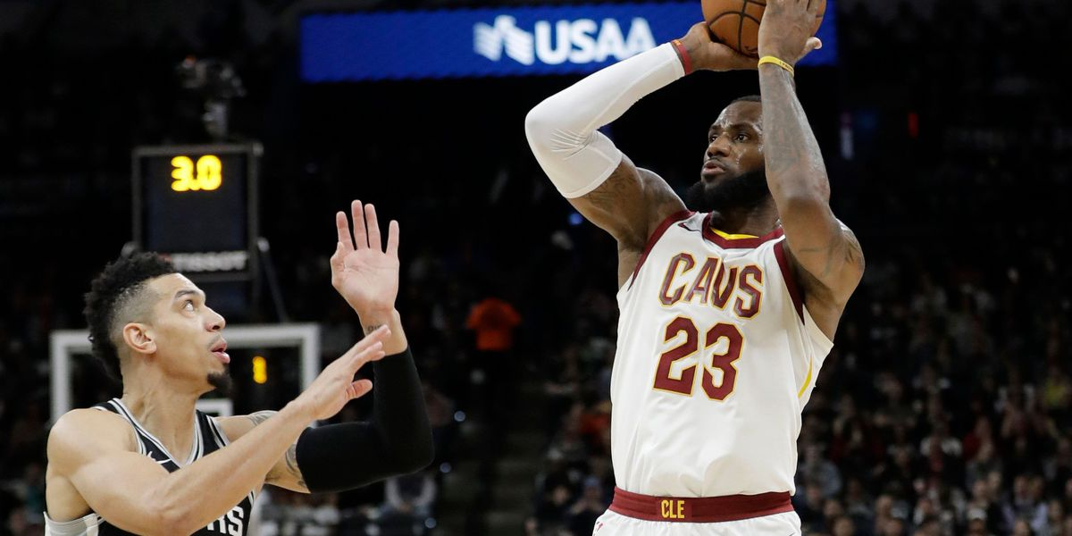 Spurs defeat Cleveland Cavaliers 114-102, LeBron becomes 7th player to reach 30,000 points