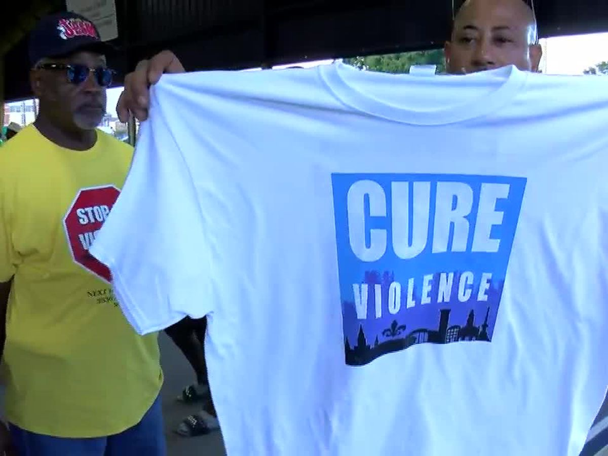 'Cure Violence' organization hopes to curb violence, addresses Cleveland leaders