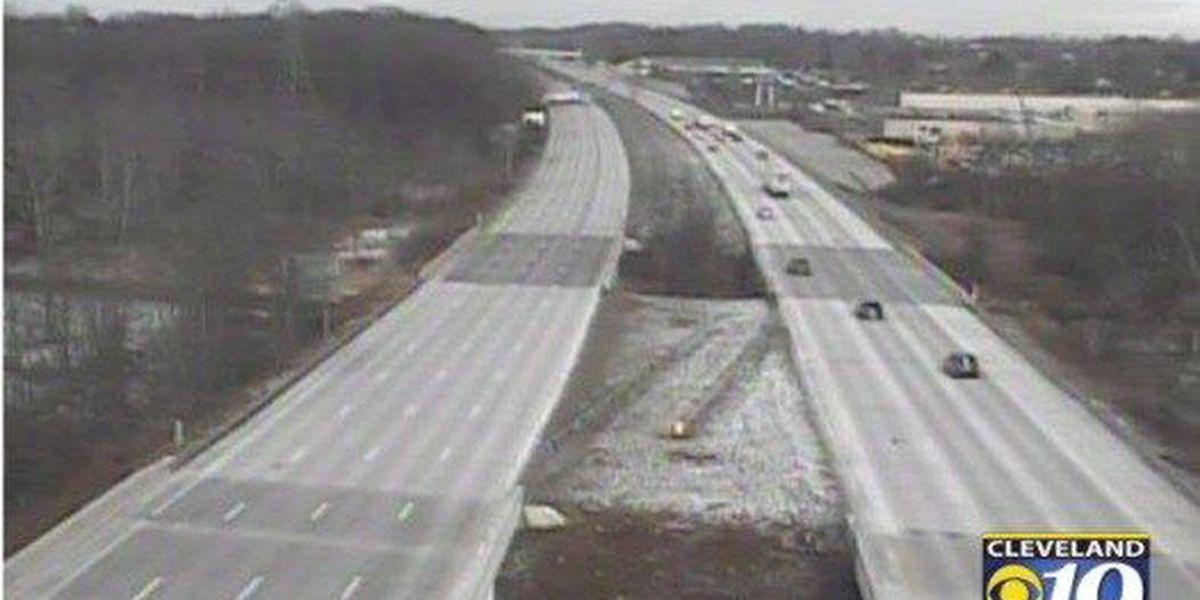Semi accident closes a portion of I-77