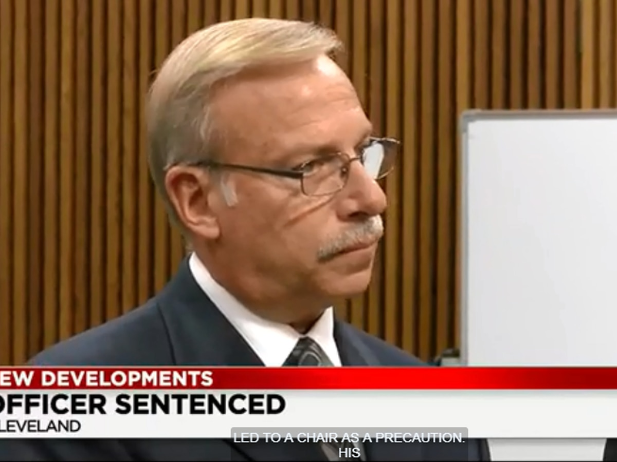Former Cleveland policeman sentenced for soliciting sex while on duty
