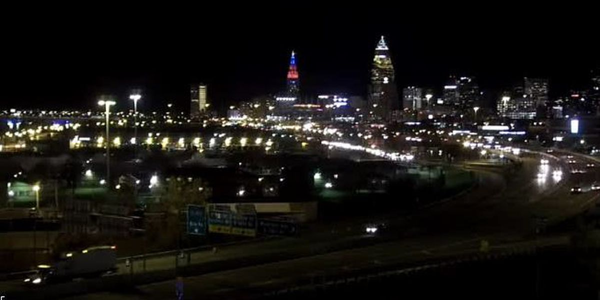 Wake Up Cleveland team shows a live look at the roads for your morning commute