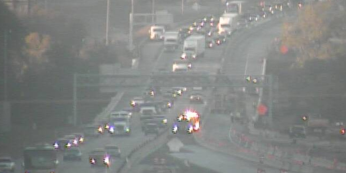Cleveland traffic Alert: Accident triggers two-way jam on I-271 South, North