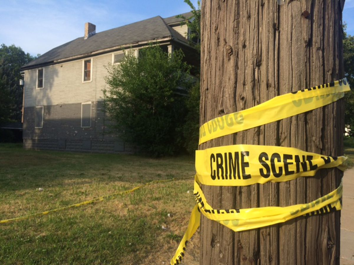 Woman found dead in basement on city's East Side; Cleveland Police Homicide Unit investigating